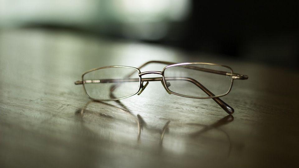pulire-occhiali1