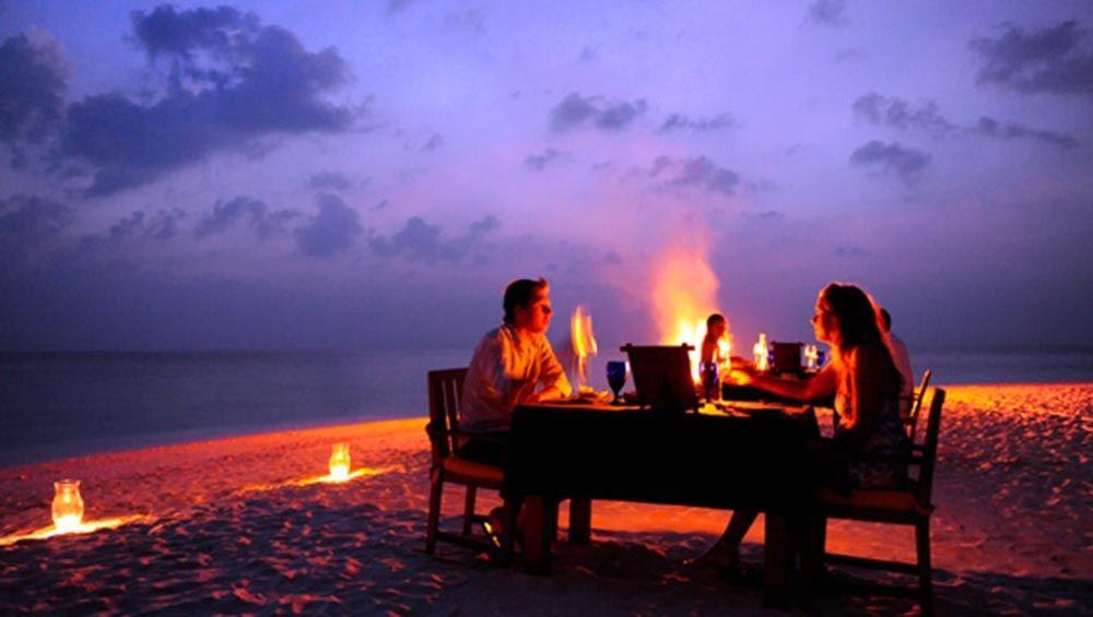 Una bella cenetta romantica in riva al mare!