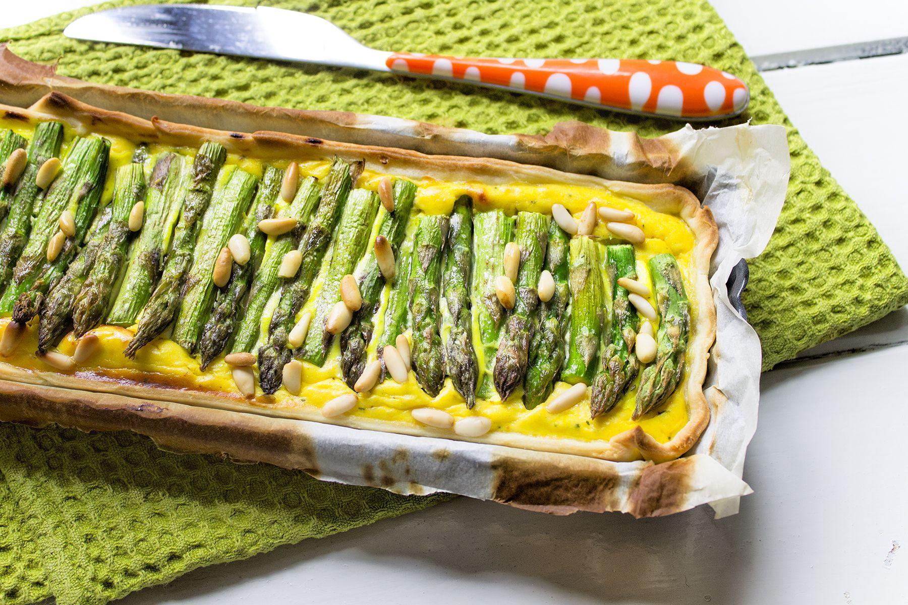 Torta salata di asparagi, ricotta e pinoli
