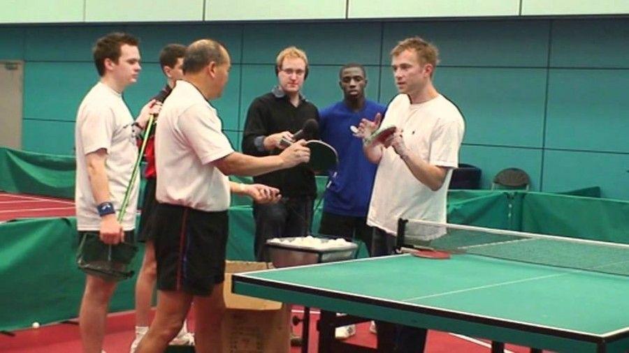 Damon Albarn e il ping pong