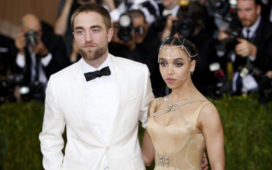 Robert Pattinson e Fka Twigs al Met Gala 2016