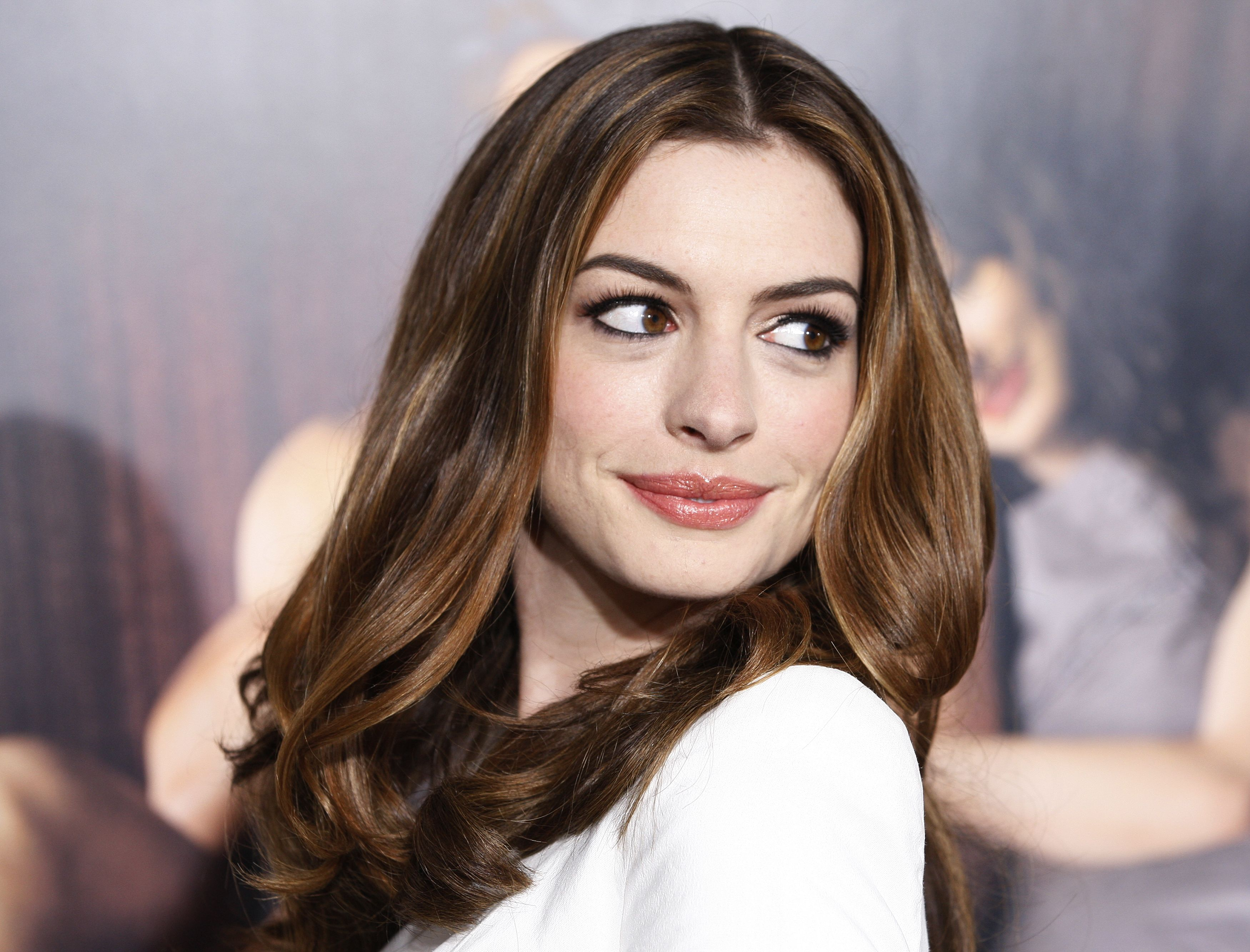 Anne Hathaway al cinema nei panni di Barbie