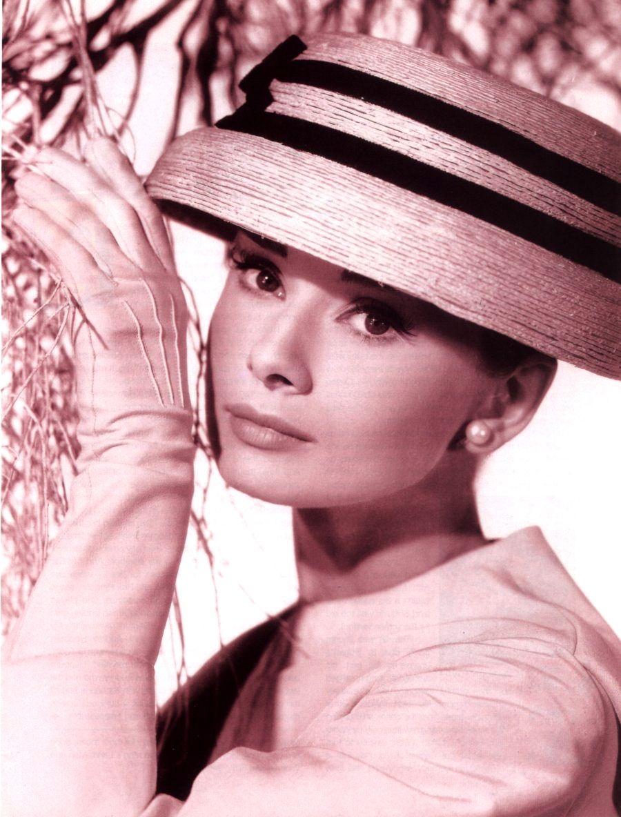scegli l'ultima comprare in vendita vendita calda autentica I 7 look più belli di Audrey Hepburn | Bigodino