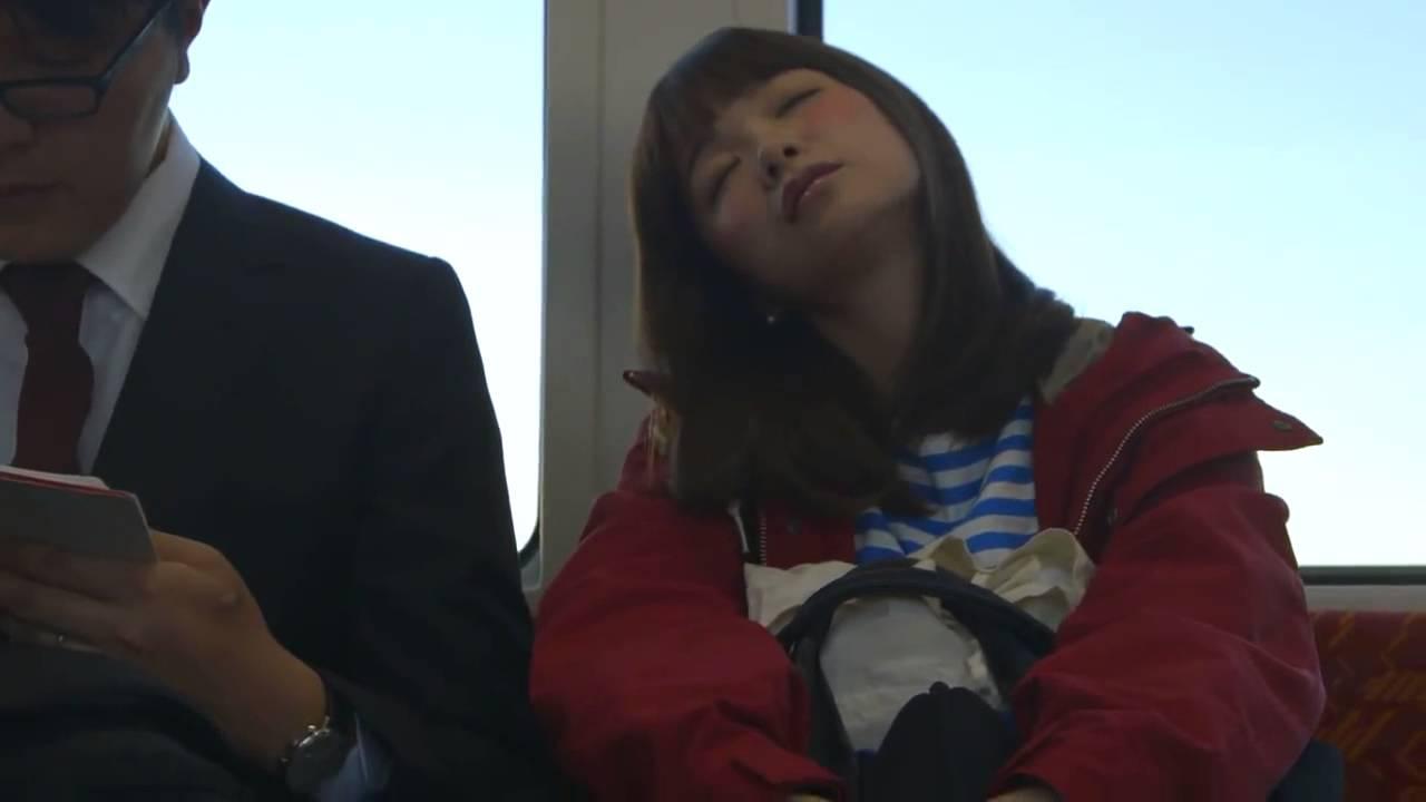 Come funziona l'inemuri, l'efficace tecnica del sonno giapponese