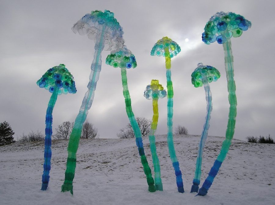 """Mushrooms"" (2005) - Veronika Richetrová."
