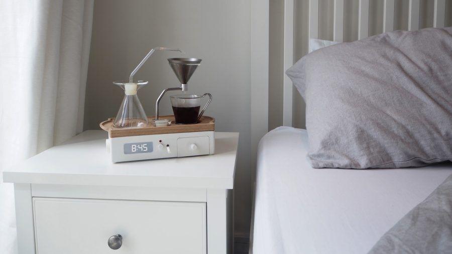 Sveglia che fa il caffè