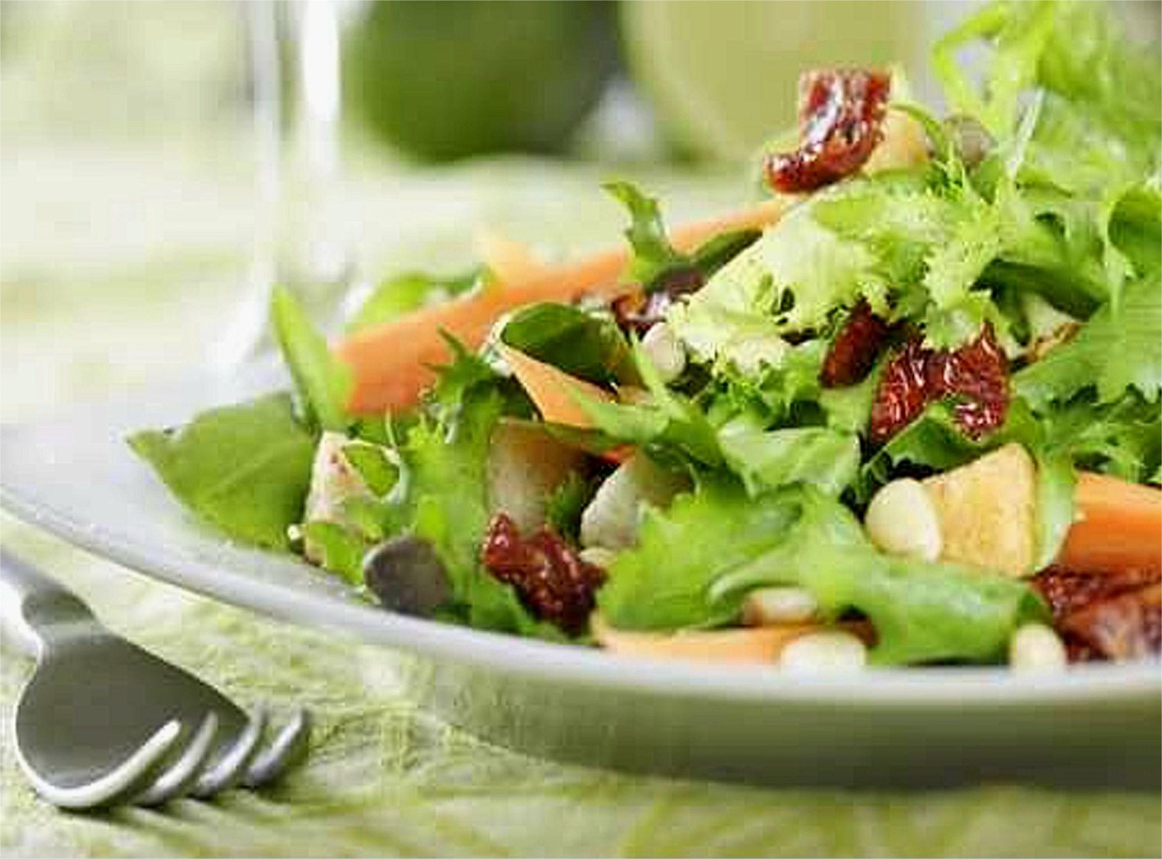 Quante calorie contiene un'insalatona?