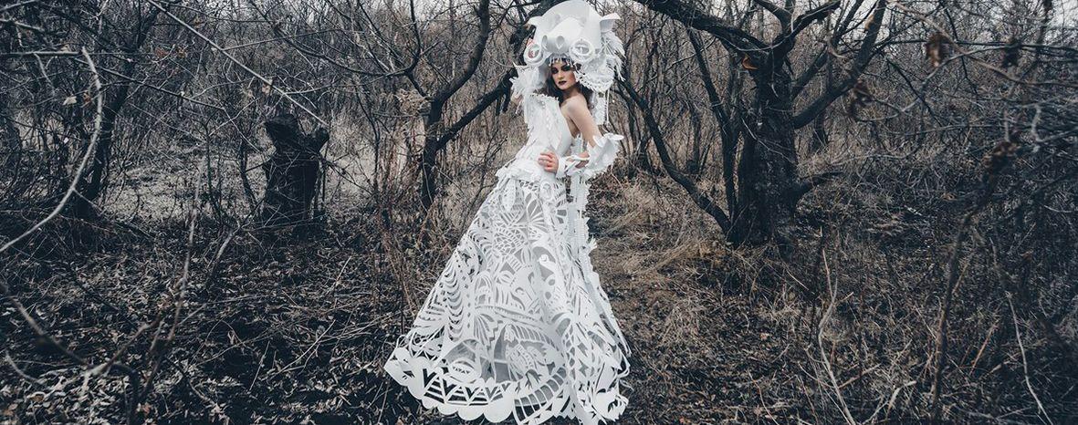 Gli abiti di carta di Asya Kozina