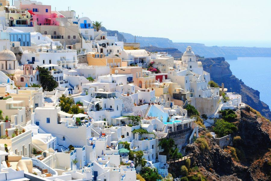 Santorini: dove mangiare, dormire e cosa vedere | Bigodino