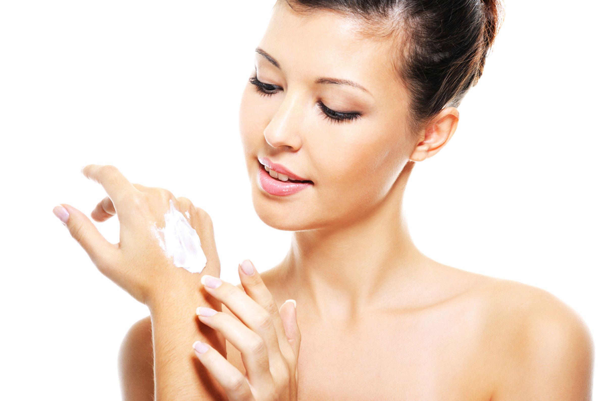 Idratazione della pelle: meglio l'olio o la crema?