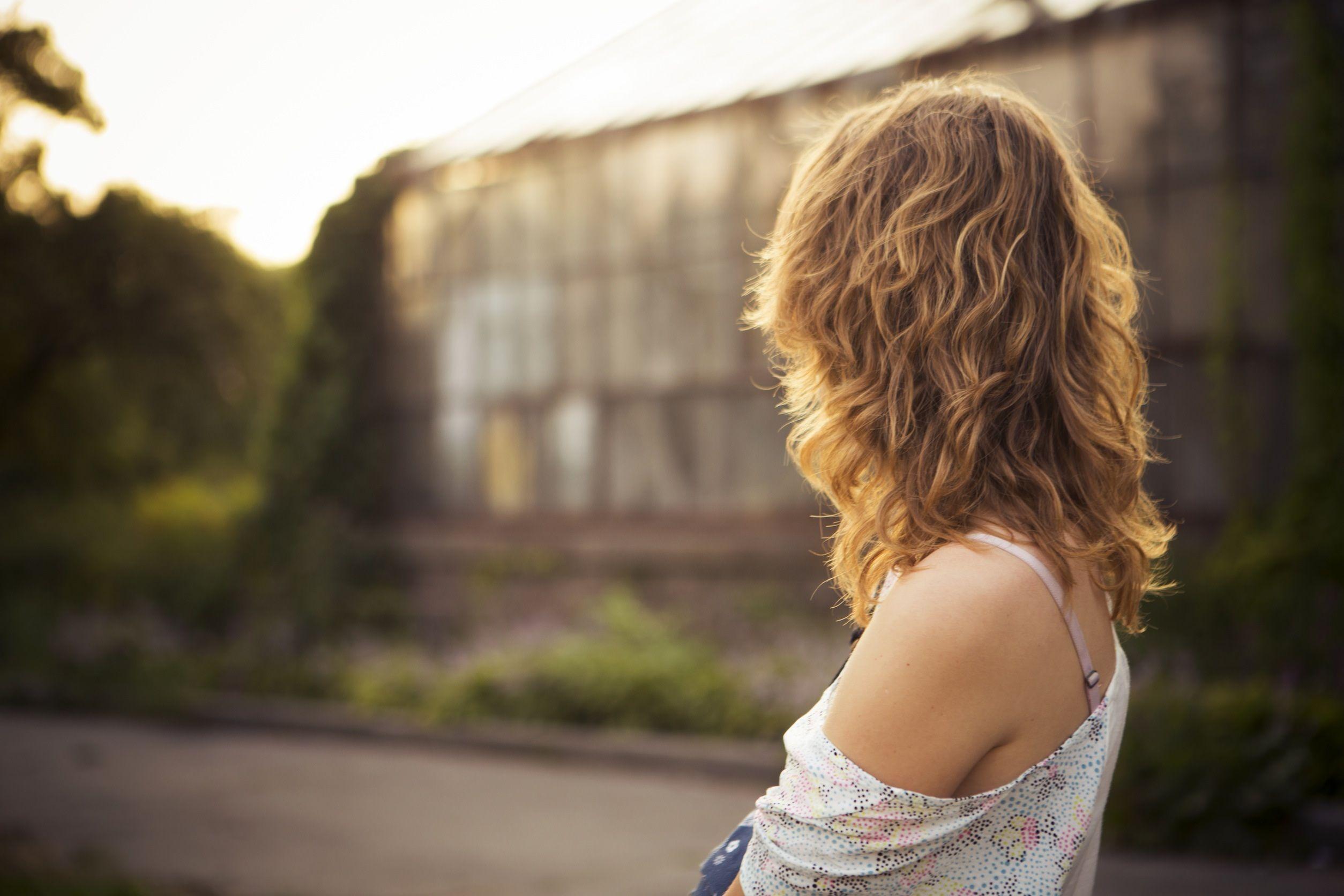 Come schiarire naturalmente i capelli in estate