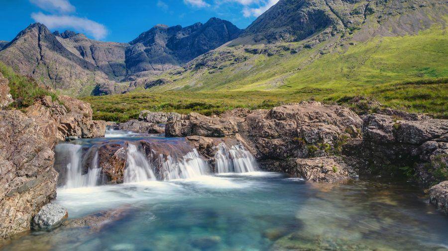 fairy_pools_small_waterfall_isle_of_skye