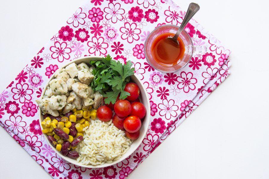 insalata-di-riso-e-pollo-alla-messicana-2-conteporaneo-food