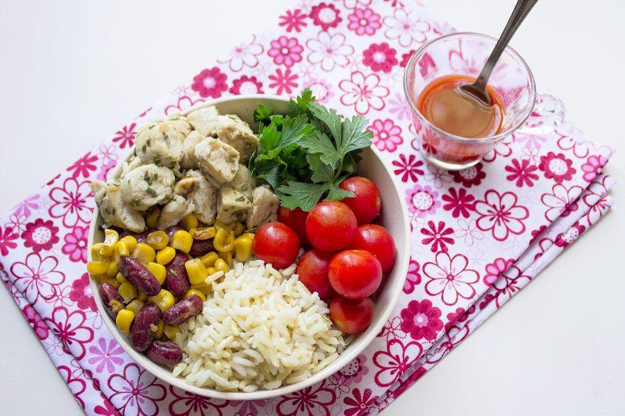 insalata-di-riso-e-pollo-alla-messicana-3-conteporaneo-food
