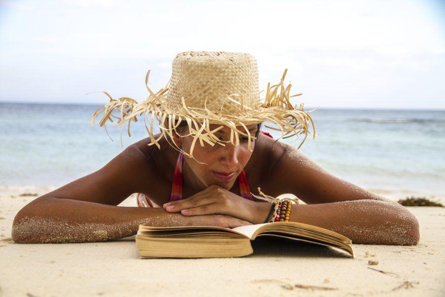 Quale genere di libri dovresti leggere in spiaggia bigodino for Libri da leggere