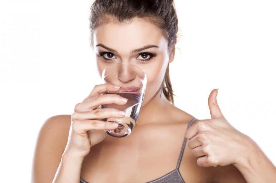 bere almeno 1,5lt di acqua al giorno