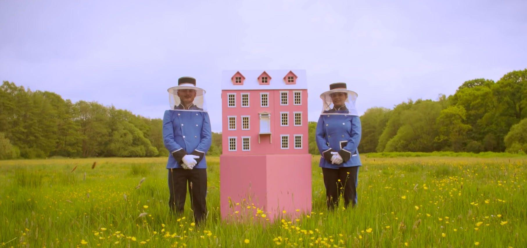 La casa delle api che sembra un castello