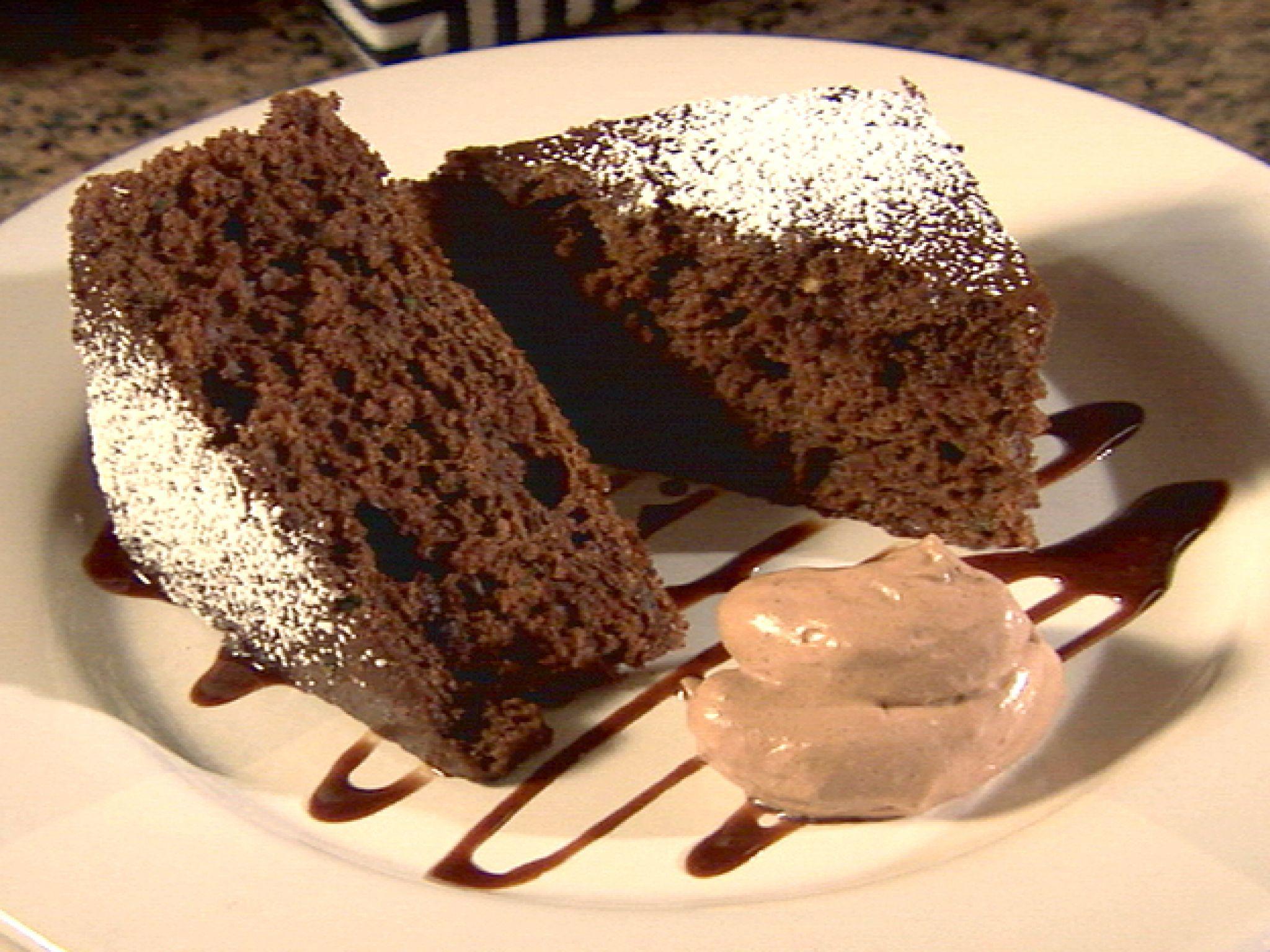 Torta al cioccolato vegana: la video ricetta