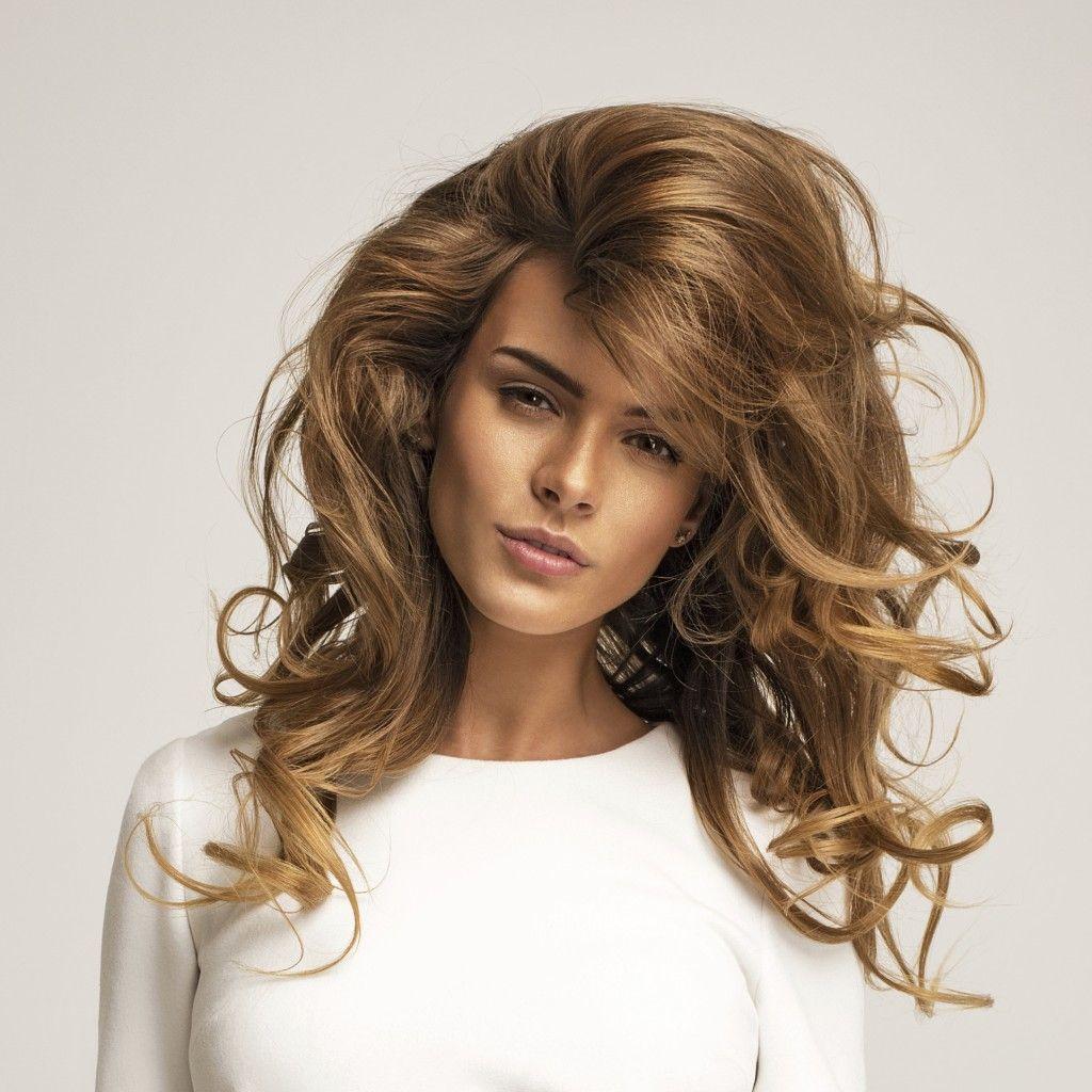Come si usa la mousse per i capelli