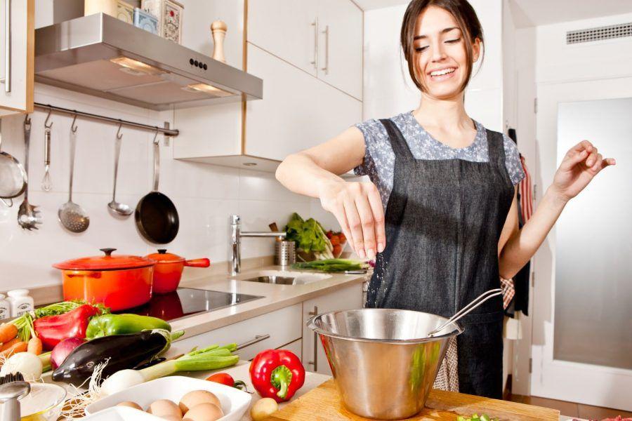 Cucinare con la padella antiadrente