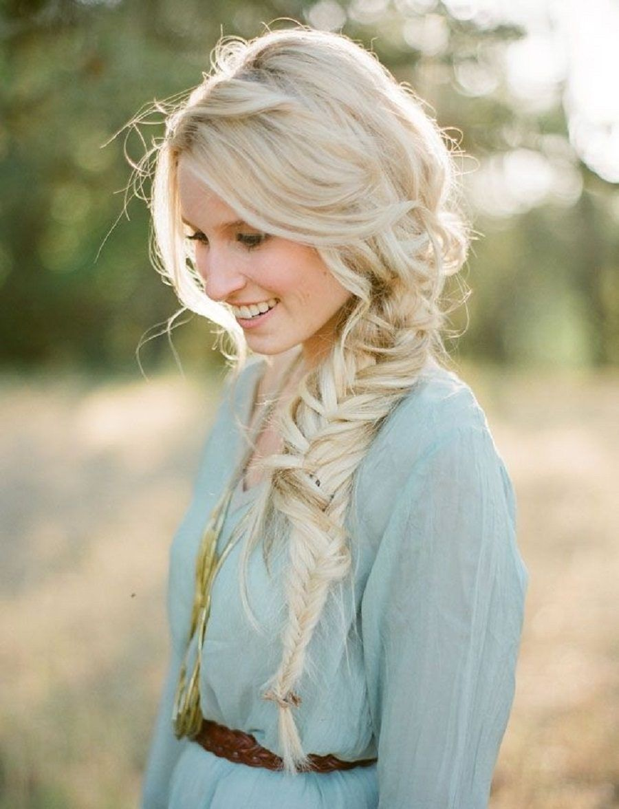 Cute-Messy-Hairstyles-for-Side-Braid