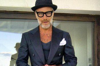Gianluca Vacchi compie 50 anni: ma cosa fa nella vita?