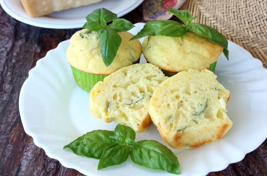 Muffin parmigiano e basilico