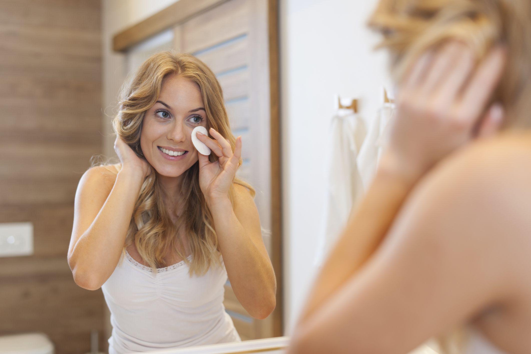 Fondotinta pelle grassa: quale usare per ottenere un risultato super matte