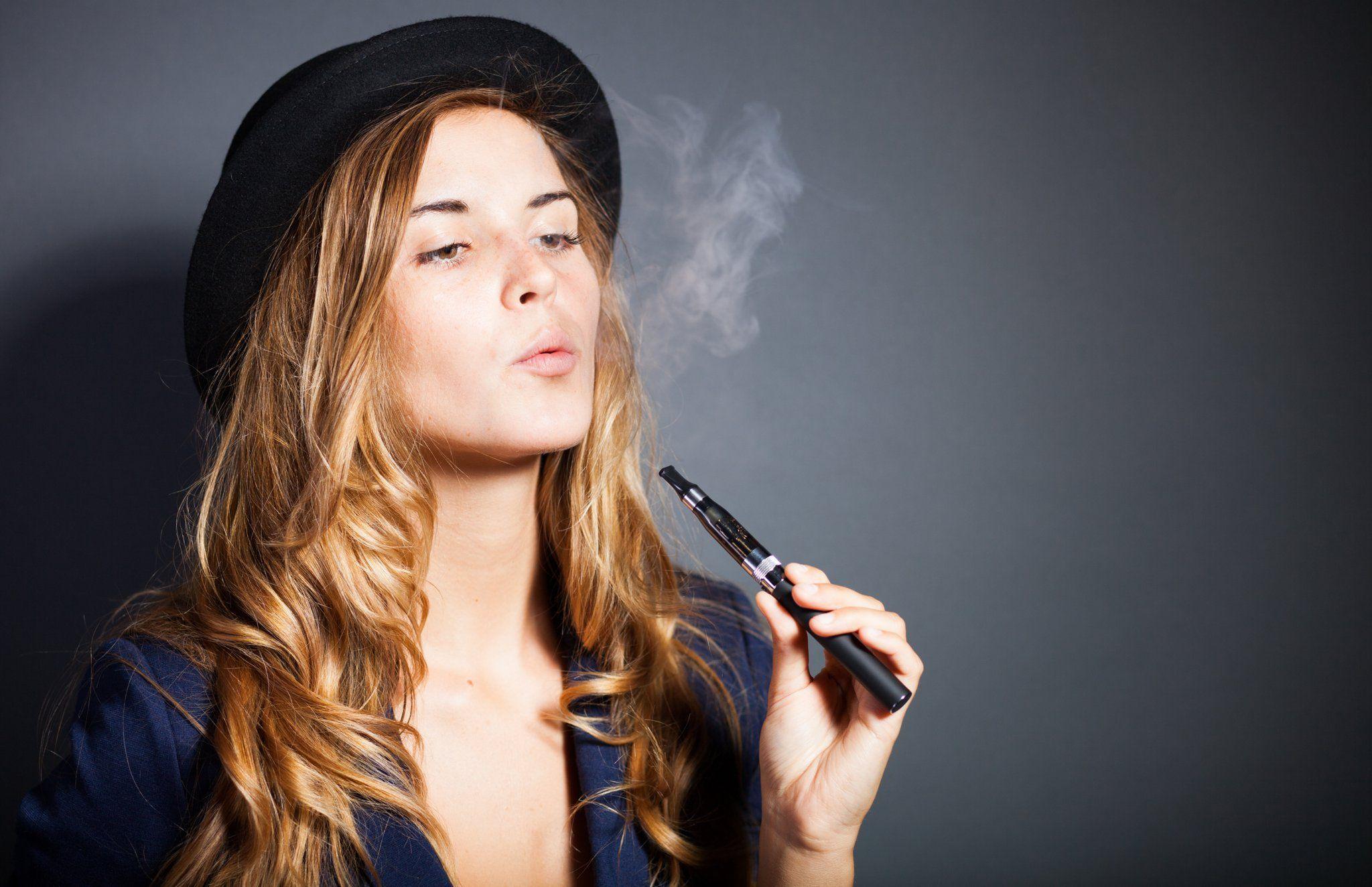 La sigaretta elettronica fa male quanto il fumo