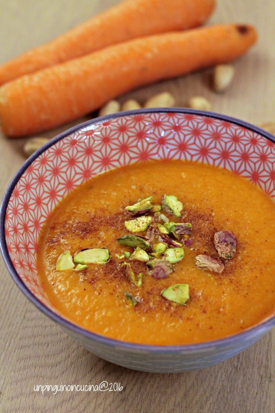 Gazpacho di carote, curcuma e mango