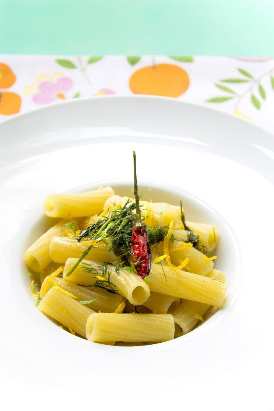 maccheroncini-agrumi-finocchietto-3-contemporaneo-food