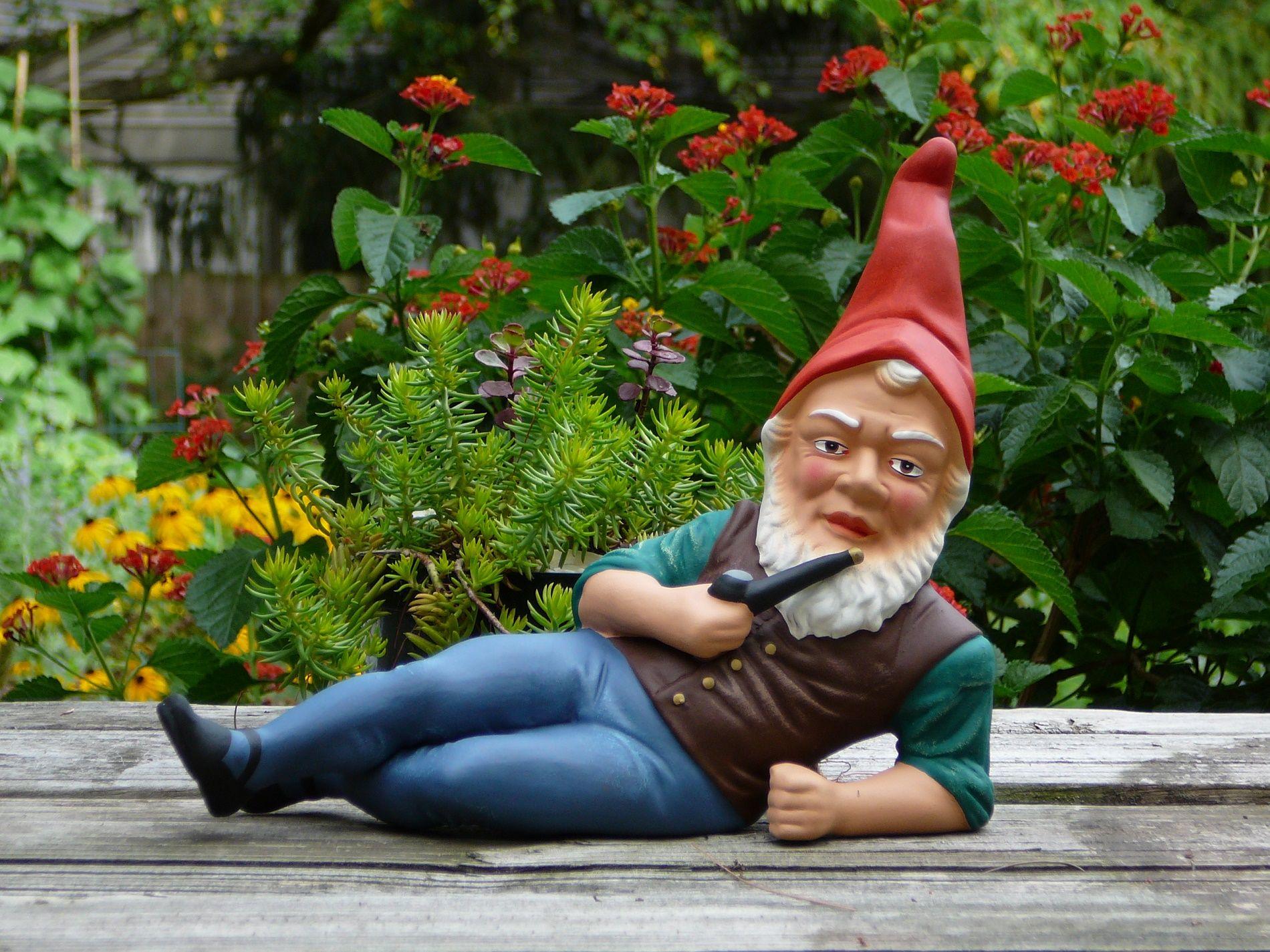 Da dove nasce l'abitudine di mettere dei nani nei giardini?