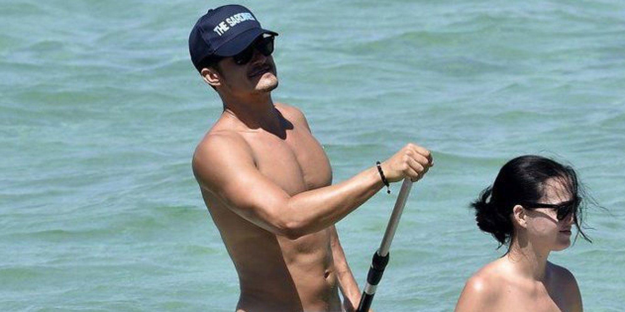 Orlando Bloom nudo in Sardegna