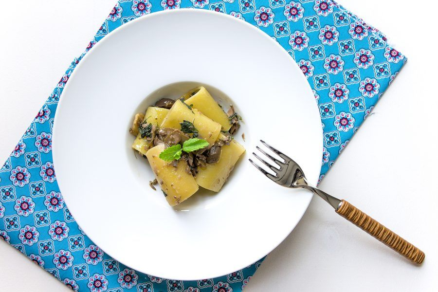 paccheri-pesto-olive-1-contemporaneo-food