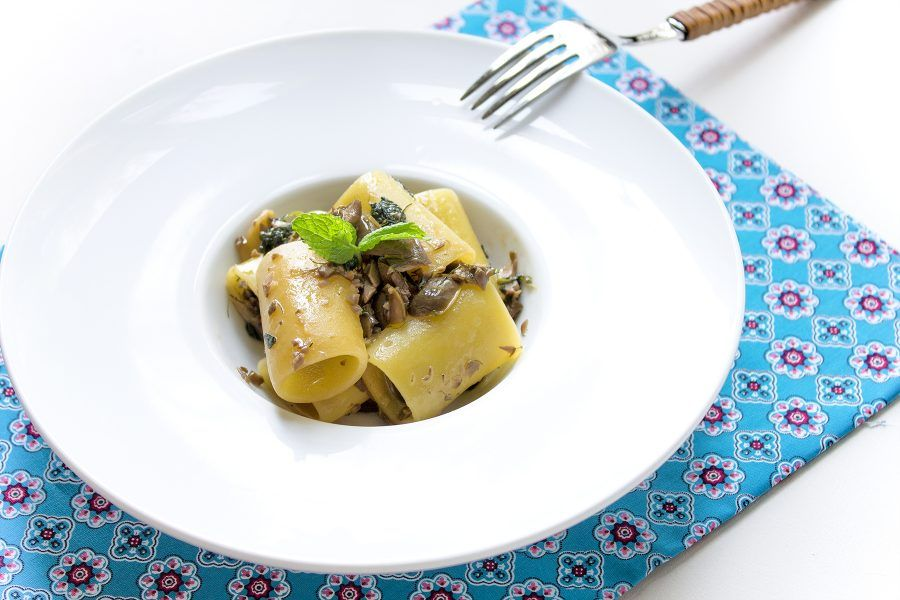 paccheri-pesto-olive-5-contemporaneo-food