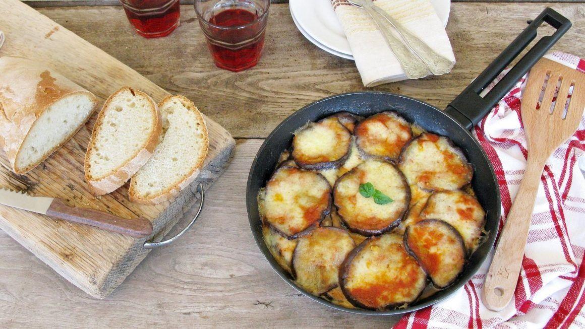 Come preparare la parmigiana di melanzane in padella