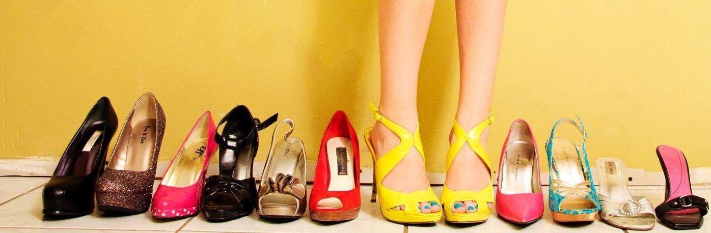 Come evitare che i sandali macchino i piedi