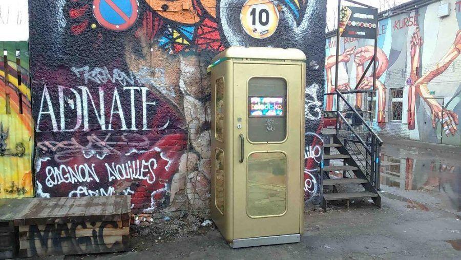 Come riciclare le cabine telefoniche