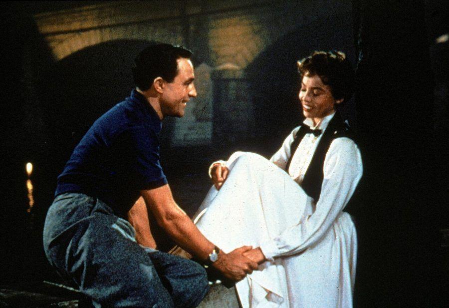 Gene Kelly nel film Un Americano a Parigi