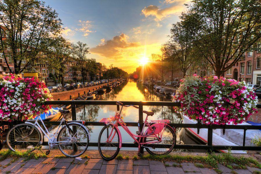Il tramonto ad Amsterdam