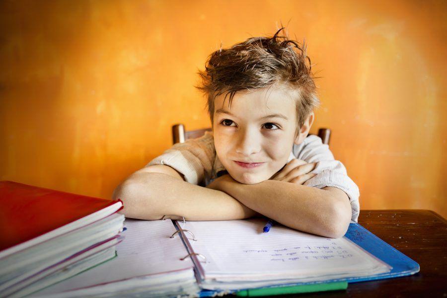 I bambini devono fare i compiti da soli