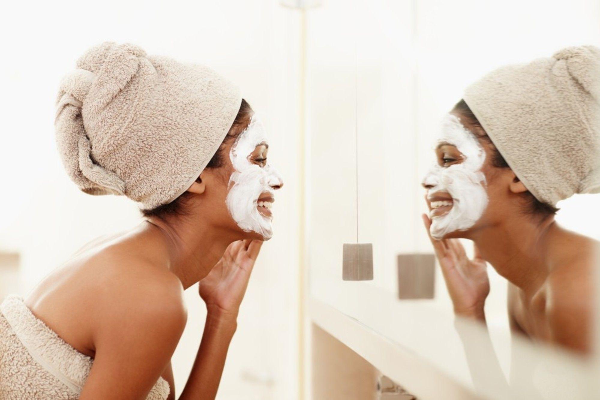 Come usare lo yogurt per la cura della pelle del viso