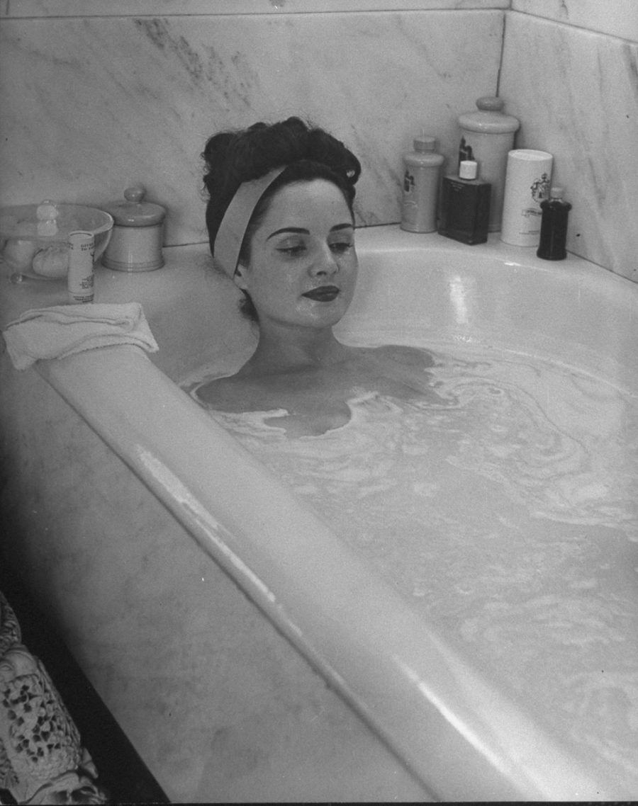 ...e prima del menage, un bel bath...