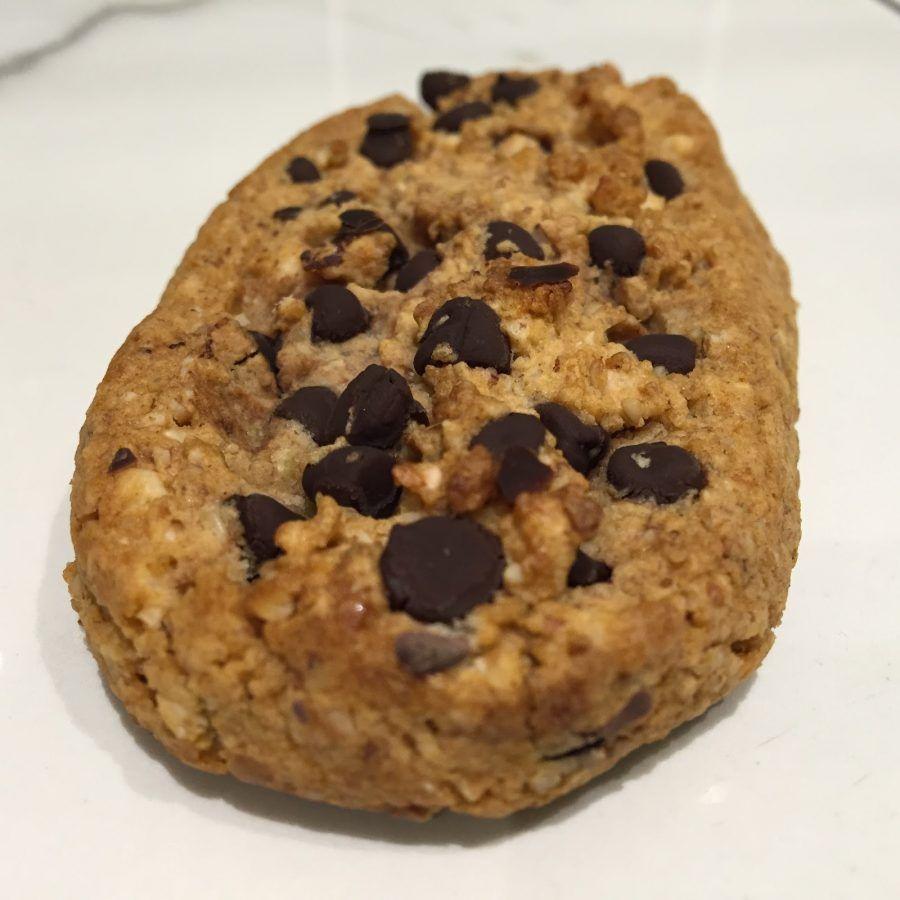 Biscotti con palline di cereali al cioccolato