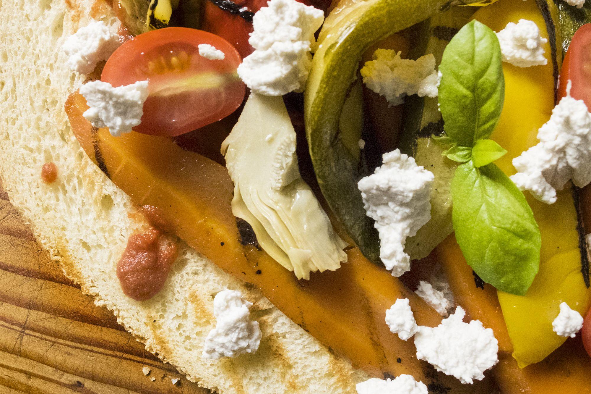 Verdure grigliate e ricotta di mandorle