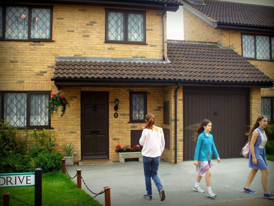 La casa d infanzia di harry potter in vendita bigodino - Harry potter casas ...