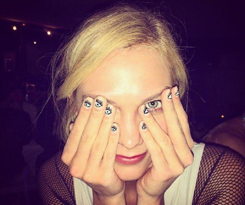La eye manicure di Karlie Kloss