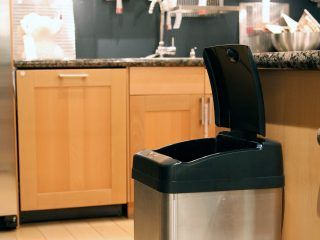 iTouchless-Extra-Wide-Opening-Touchless-Trash-Can-IT13MX