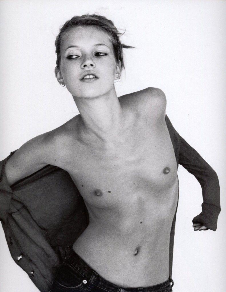 ...una delle top model più apprezzate di sempre, ed ha la prima di reggiseno... yeeeeeee