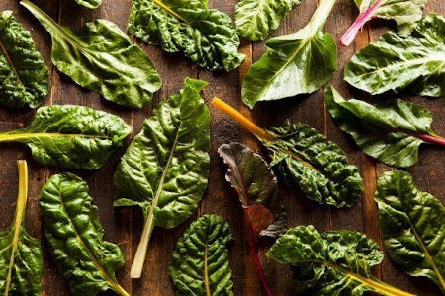 verdura a foglia verde
